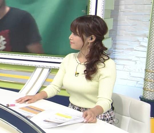 鷲見玲奈アナ 久しぶりのミニスカ脚エロキャプ・エロ画像7