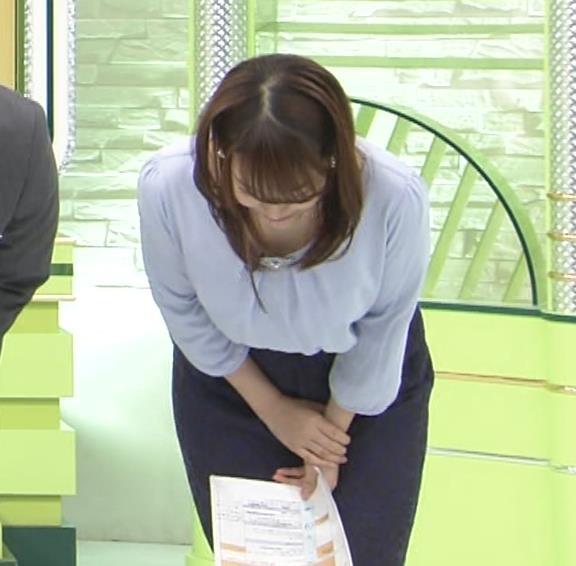 鷲見玲奈アナ 生足エッロ…キャプ・エロ画像2