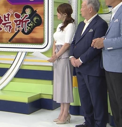 鷲見玲奈アナ 横乳で再確認するデカさキャプ・エロ画像6