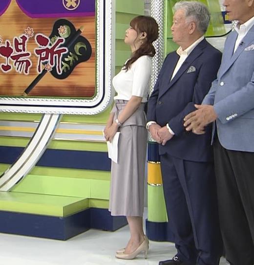 鷲見玲奈アナ 横乳で再確認するデカさキャプ画像(エロ・アイコラ画像)