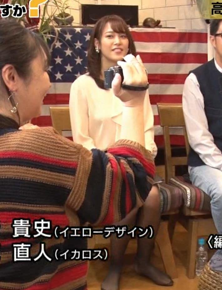 鷲見玲奈アナ 胸を張る&黒ストッキングキャプ・エロ画像6