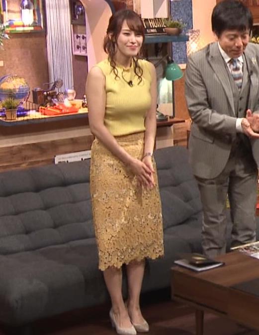 鷲見玲奈アナ 安定のエロ衣装キャプ・エロ画像3