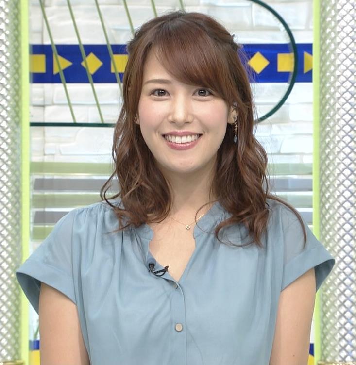 鷲見玲奈アナ 胸元緩いシャツキャプ・エロ画像4