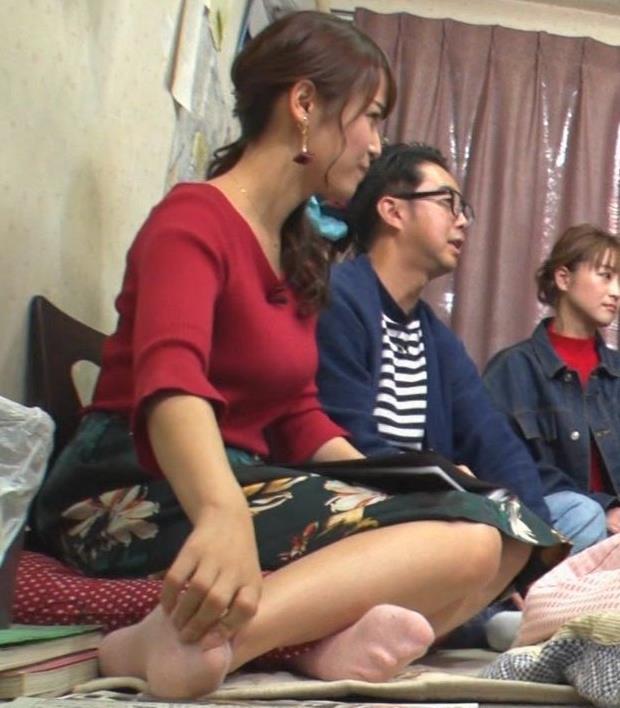 鷲見玲奈アナ 脚とおっぱいがエロいキャプ・エロ画像3