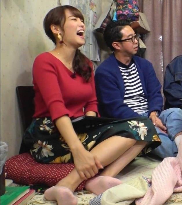 鷲見玲奈アナ 脚とおっぱいがエロいキャプ・エロ画像7