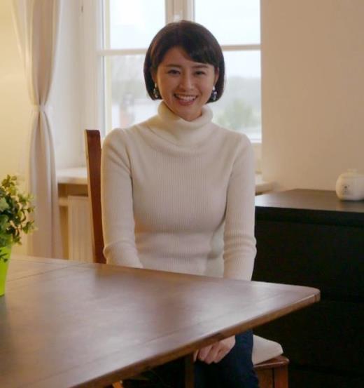 鈴木ちなみ ニットおっぱいキャプ画像(エロ・アイコラ画像)