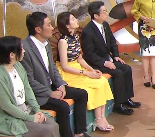鈴木ちなみ ノースリーブ横乳キャプ画像(エロ・アイコラ画像)