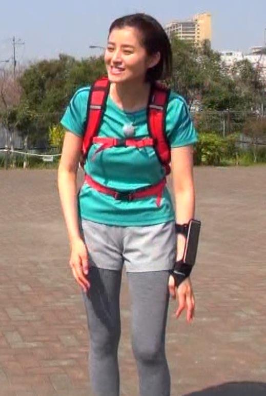 鈴木ちなみ ランニングウェアのプリケツ&ピチピチTシャツおっぱいキャプ・エロ画像11