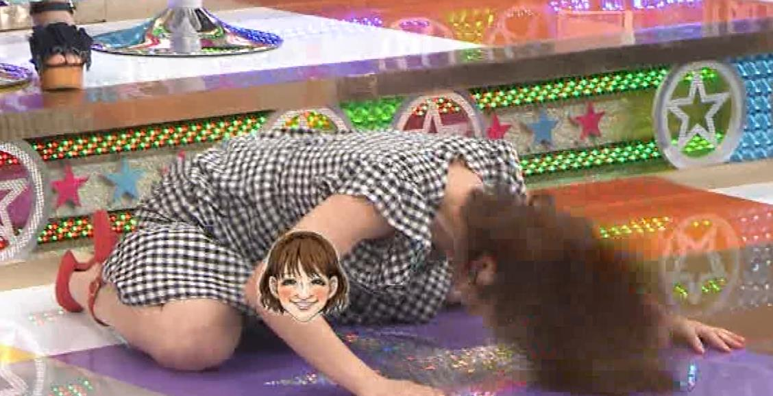 鈴木奈々 意外とエロい胸ちらキャプ・エロ画像9
