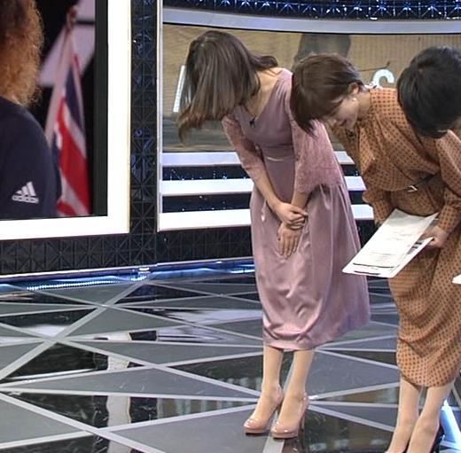鈴木唯アナ おっぱいがエロい衣装キャプ・エロ画像3