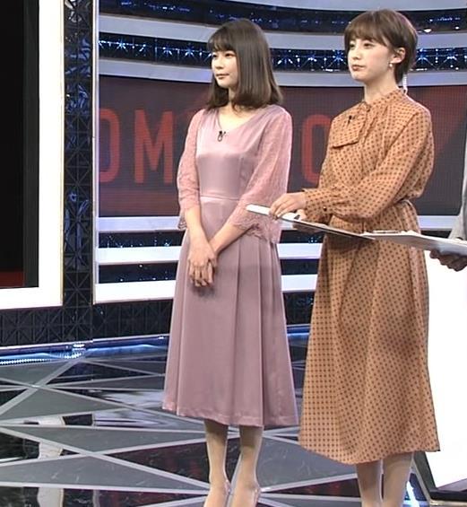 鈴木唯アナ おっぱいがエロい衣装キャプ・エロ画像7