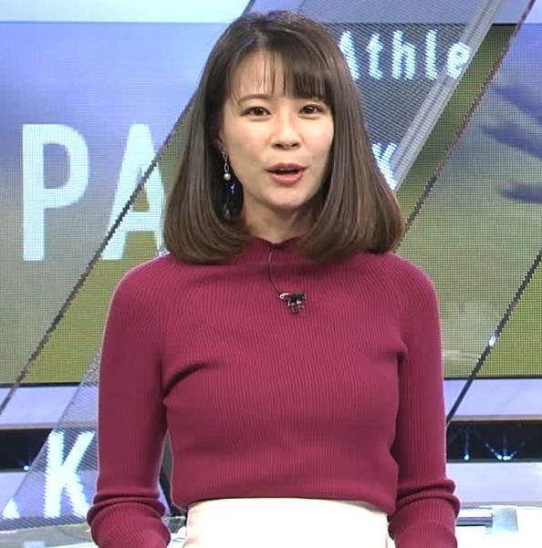 鈴木唯アナ 微乳のふくらみが逆にエロいニットキャプ・エロ画像