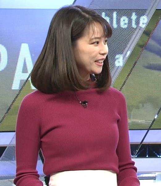 鈴木唯アナ 微乳のふくらみが逆にエロいニットキャプ・エロ画像2