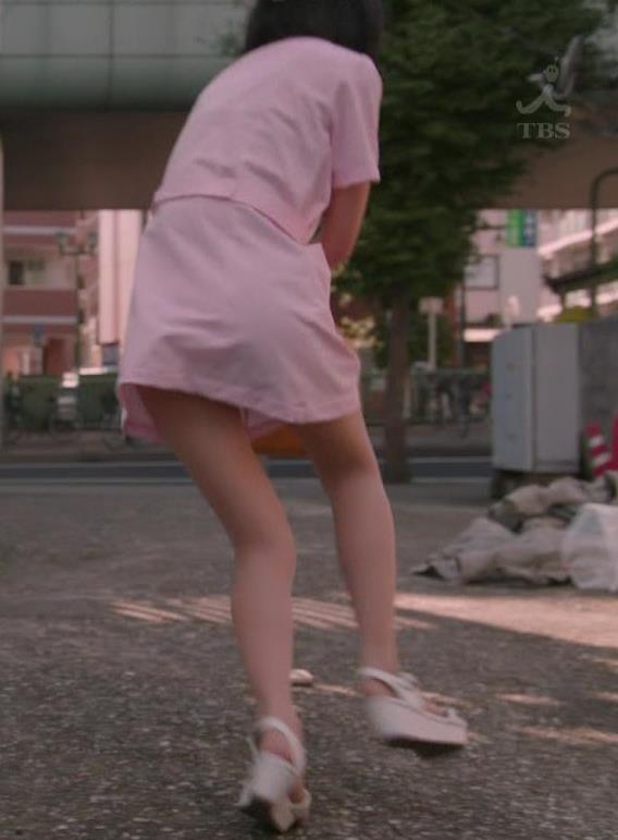 武田玲奈 ナースコスプレのパンチラシーンキャプ・エロ画像12