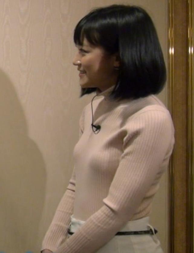 竹内由恵アナ 終始ニットおっぱいがエロかったよ!キャプ・エロ画像4
