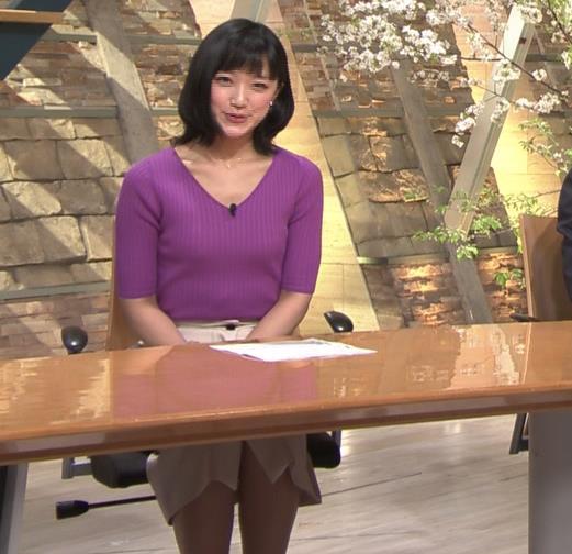竹内由恵アナ ニットおっぱいキャプ・エロ画像