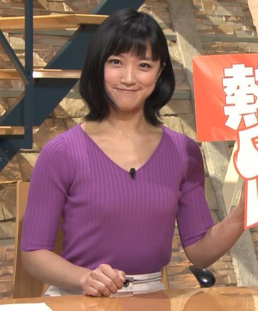 竹内由恵アナ ニットおっぱいキャプ・エロ画像4