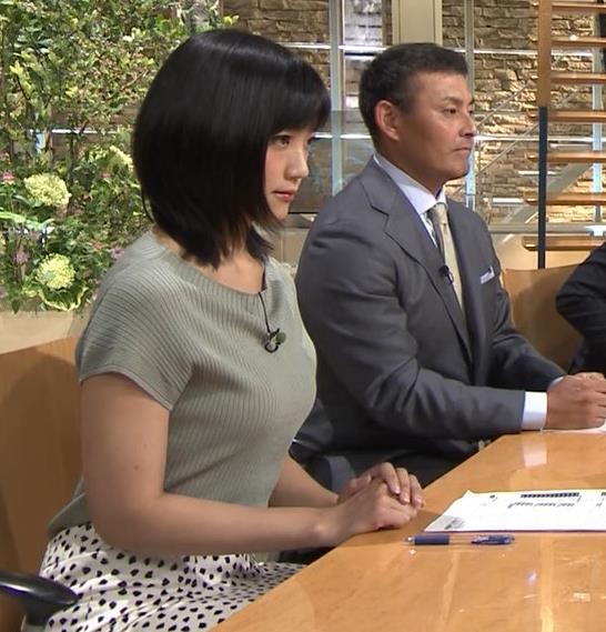 竹内由恵アナ ニット微乳、でもエロいキャプ・エロ画像5