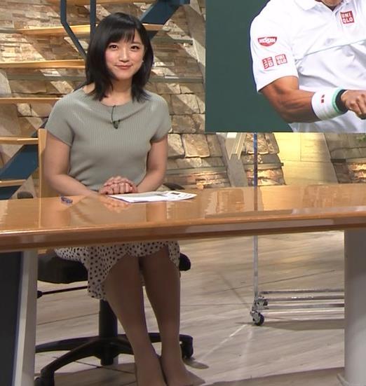 竹内由恵アナ ニット微乳、でもエロいキャプ・エロ画像6