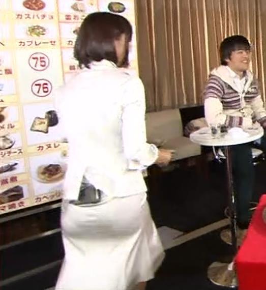 竹内由恵アナ 若いころのプリケツ!パンツ透けGIF動画キャプ・エロ画像11