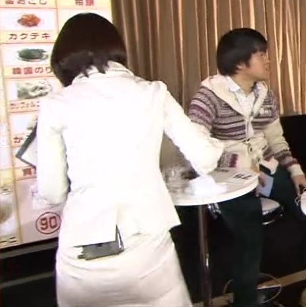 竹内由恵アナ 若いころのプリケツ!パンツ透けGIF動画キャプ・エロ画像6