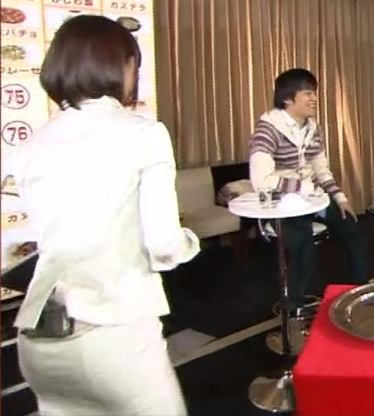 竹内由恵アナ 若いころのプリケツ!パンツ透けGIF動画キャプ・エロ画像9