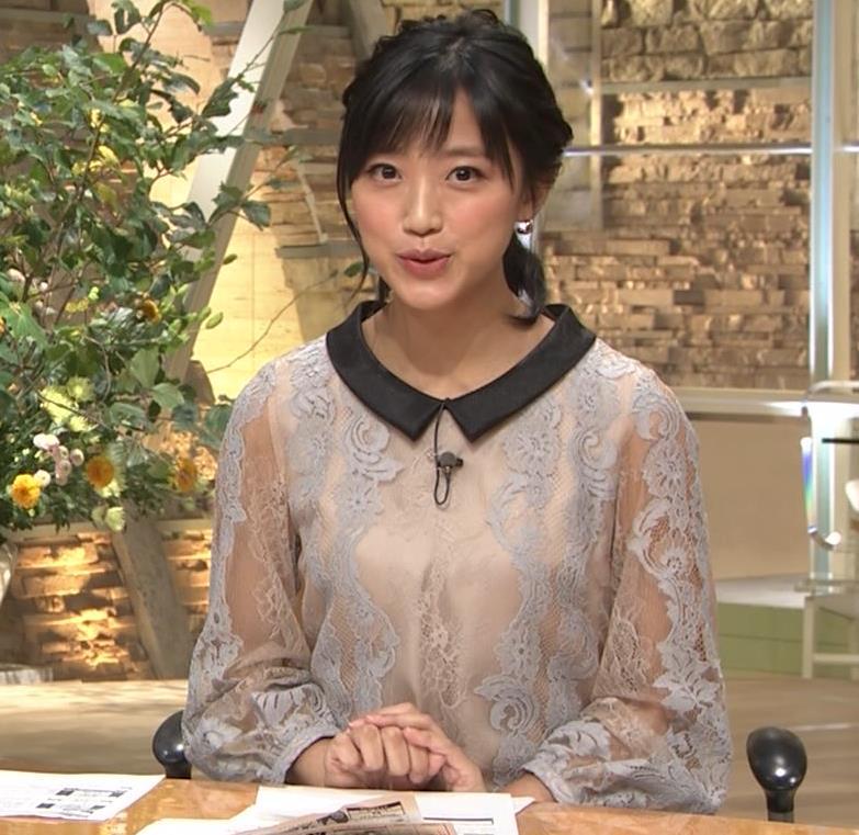 竹内由恵アナ 透け透け衣装キャプ・エロ画像2