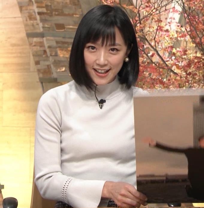 竹内由恵アナ ニット微乳…キャプ・エロ画像6
