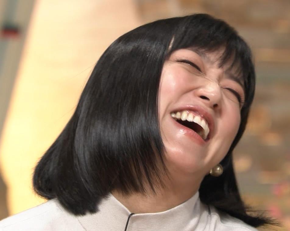 竹内由恵アナ ニット微乳…キャプ・エロ画像10