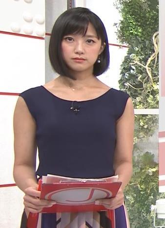 竹内由恵アナ ノースリーブのぴったりニットキャプ・エロ画像5