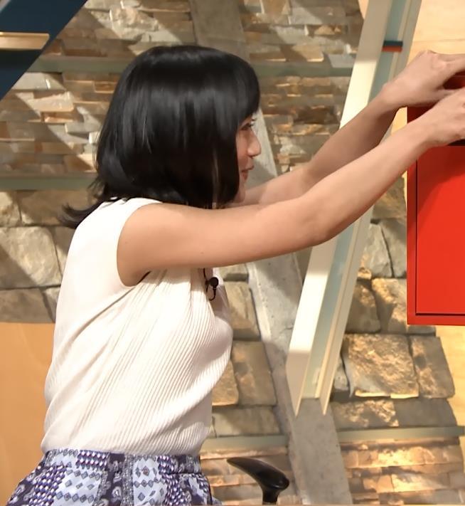 竹内由恵アナ ニット横乳♡♡キャプ・エロ画像3