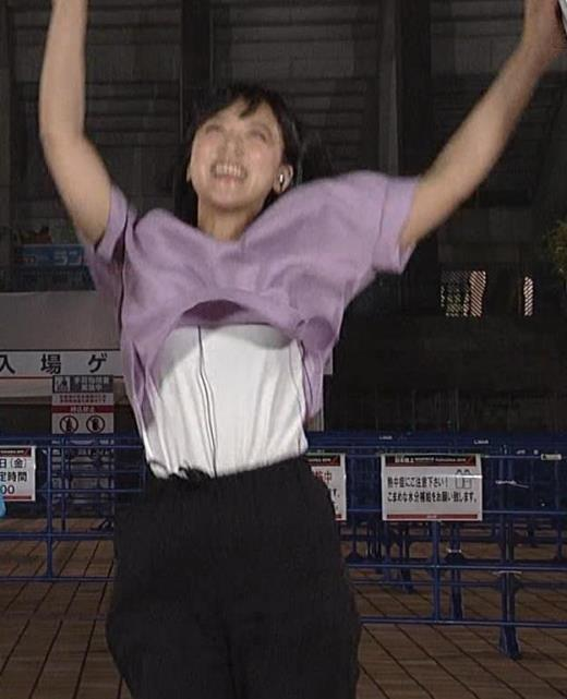 竹内由恵 ジャンプして服がめくれてしまう放送事故キャプ画像(エロ・アイコラ画像)