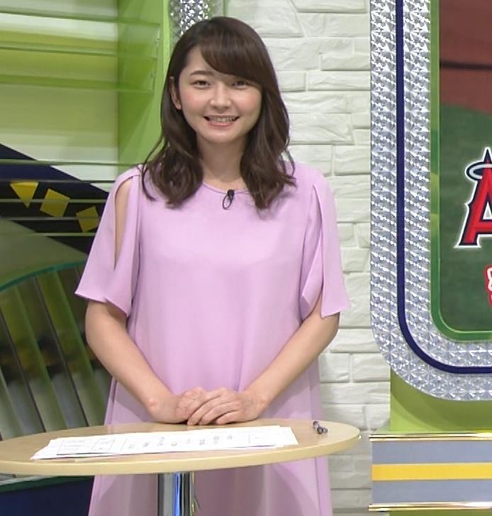 竹崎由佳アナ 変なスリットから見える腕キャプ・エロ画像3