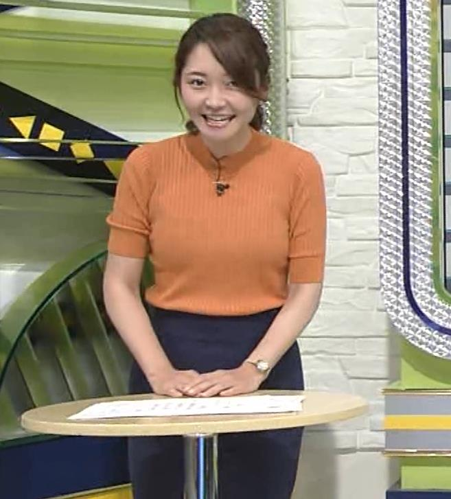 竹崎由佳アナ 体にぴったりニットキャプ・エロ画像