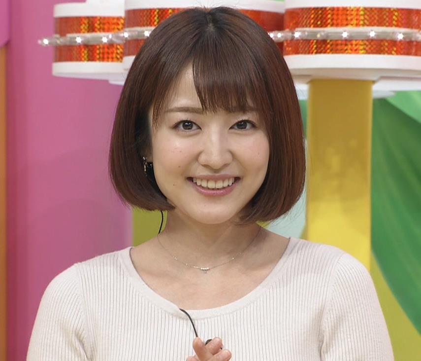 滝菜月アナ セクシーなうなじ&ニット乳キャプ・エロ画像9