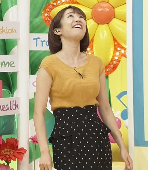滝菜月アナ 日テレのおっぱい担当というぐらいいつもエロい服着てるキャプ・エロ画像5