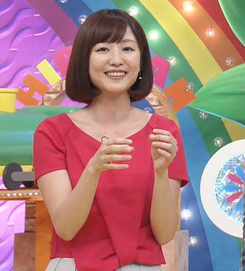 滝菜月アナ 胸の大きさがなんとなくわかる服キャプ・エロ画像13