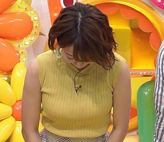 滝菜月アナ ピチピチ衣装でおっぱいアピールキャプ・エロ画像4