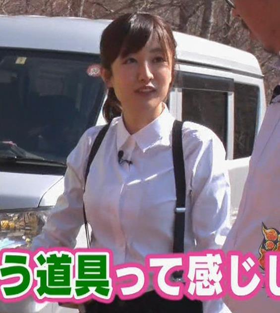 滝菜月アナ シャツおっぱい&お尻キャプ・エロ画像12