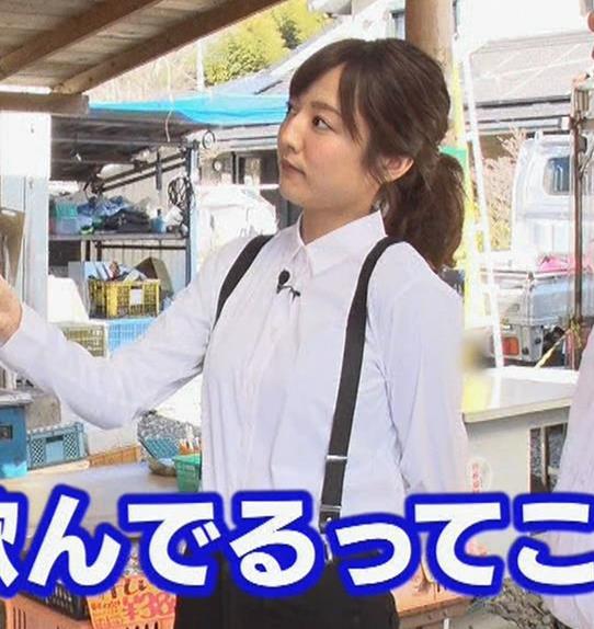 滝菜月アナ シャツおっぱい&お尻キャプ・エロ画像10