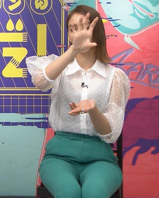 滝沢カレン ピチピチのパンツがエロいキャプ・エロ画像5