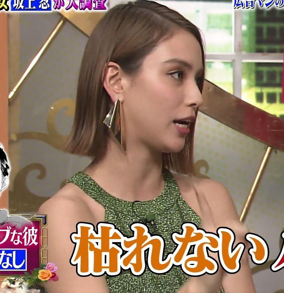 滝沢カレン TVでエロいカラダを見せてくれるキャプ・エロ画像6