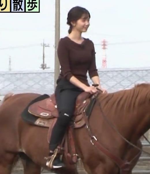 田中瞳アナ モヤさまのエロい横乳キャプ・エロ画像