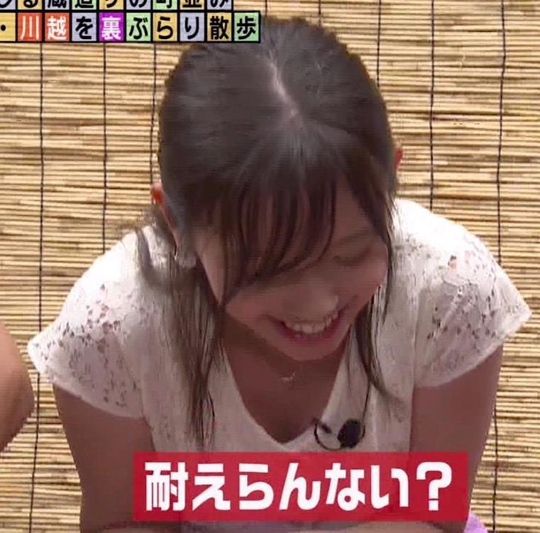 田中瞳アナ ほぼパンチラキャプ・エロ画像6