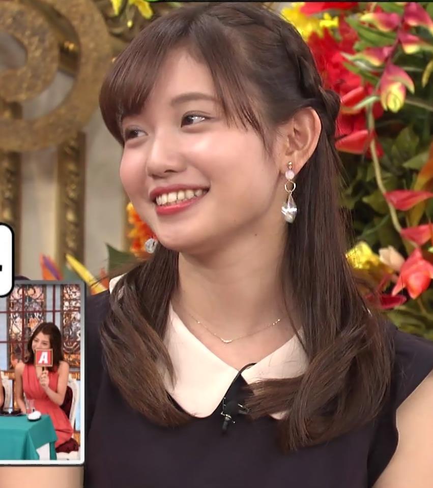 田中瞳 パンツ見えそうなミニスカキャプ・エロ画像2