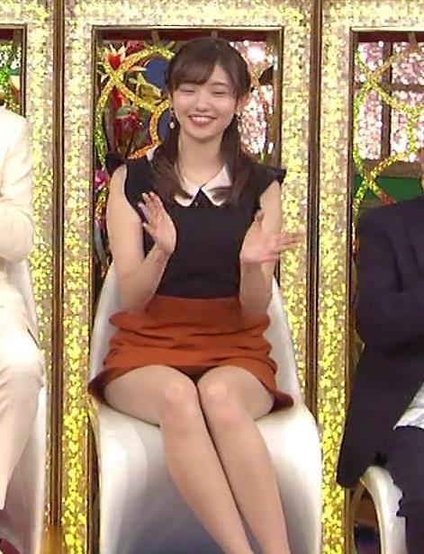 田中瞳 パンツ見えそうなミニスカキャプ・エロ画像4