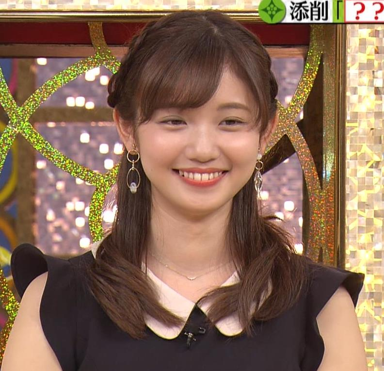 田中瞳 パンツ見えそうなミニスカキャプ・エロ画像8