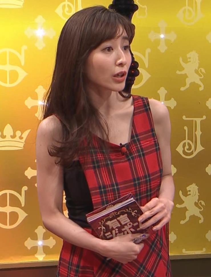 田中みな実 胸エロ衣装キャプ・エロ画像4