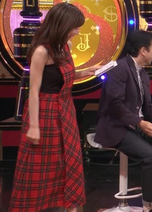 田中みな実 胸エロ衣装キャプ・エロ画像6