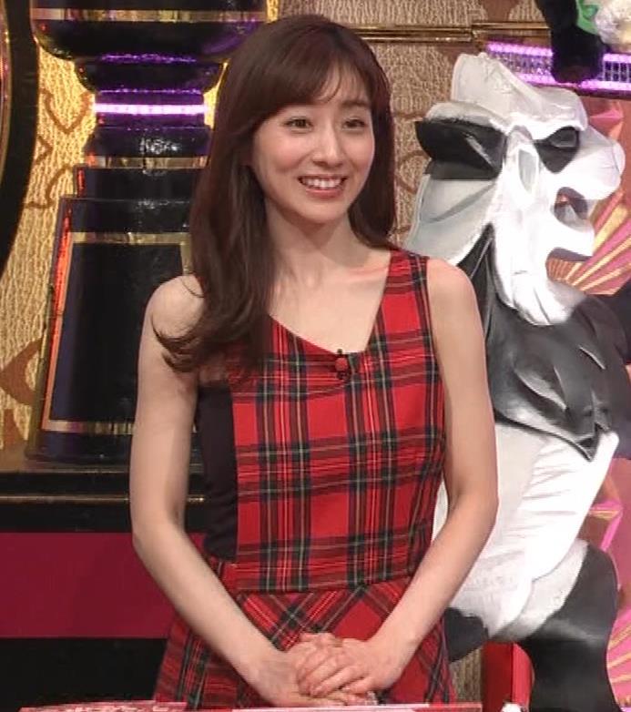 田中みな実 胸エロ衣装キャプ・エロ画像7